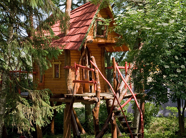 Stay among the treetops on Gotland